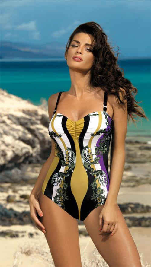 Krásné jednodílné plavky Marko Miriam se zeštíhlujícími exotickými vzory