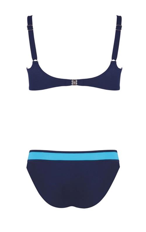 Modré plavky pro plnoštíhlé