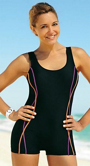 Pohodlné jednodílné plavky s delšími nohavičkami