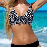 Zeštíhlující plavky pro ženy kypřejších tvarů