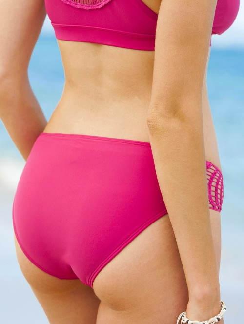 Růžové plavky s háčkovanými boky