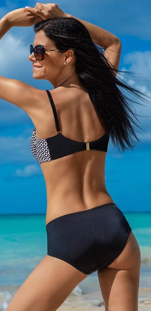 Dvoudílné plavky pro dámy s plnější postavou