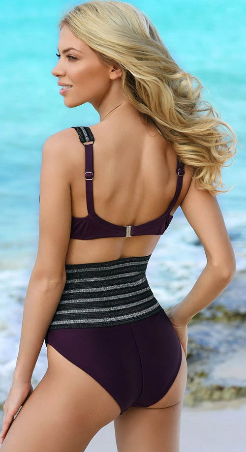 Fialové dvoudílné plavky s vysokými kalhotkami