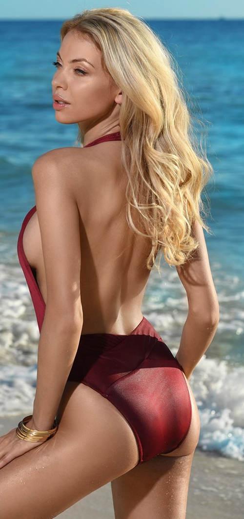 Vínové jednodílné plavky s volnými zády