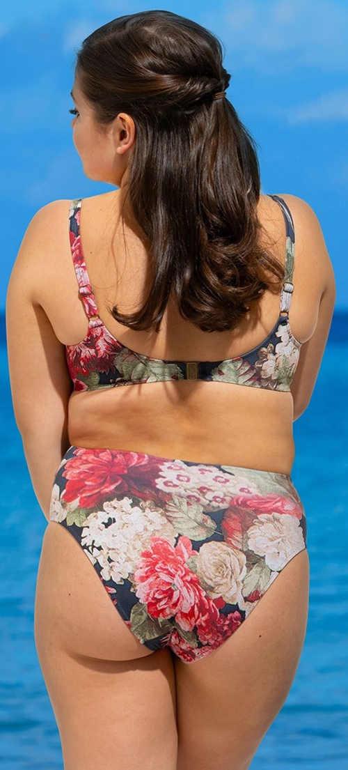 Romantické květované plavky pro plnoštíhlé