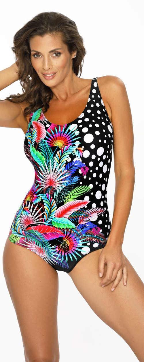 Pestrobarevné jednodílné plavky dokonale zamaskují nedokonalosti postavy